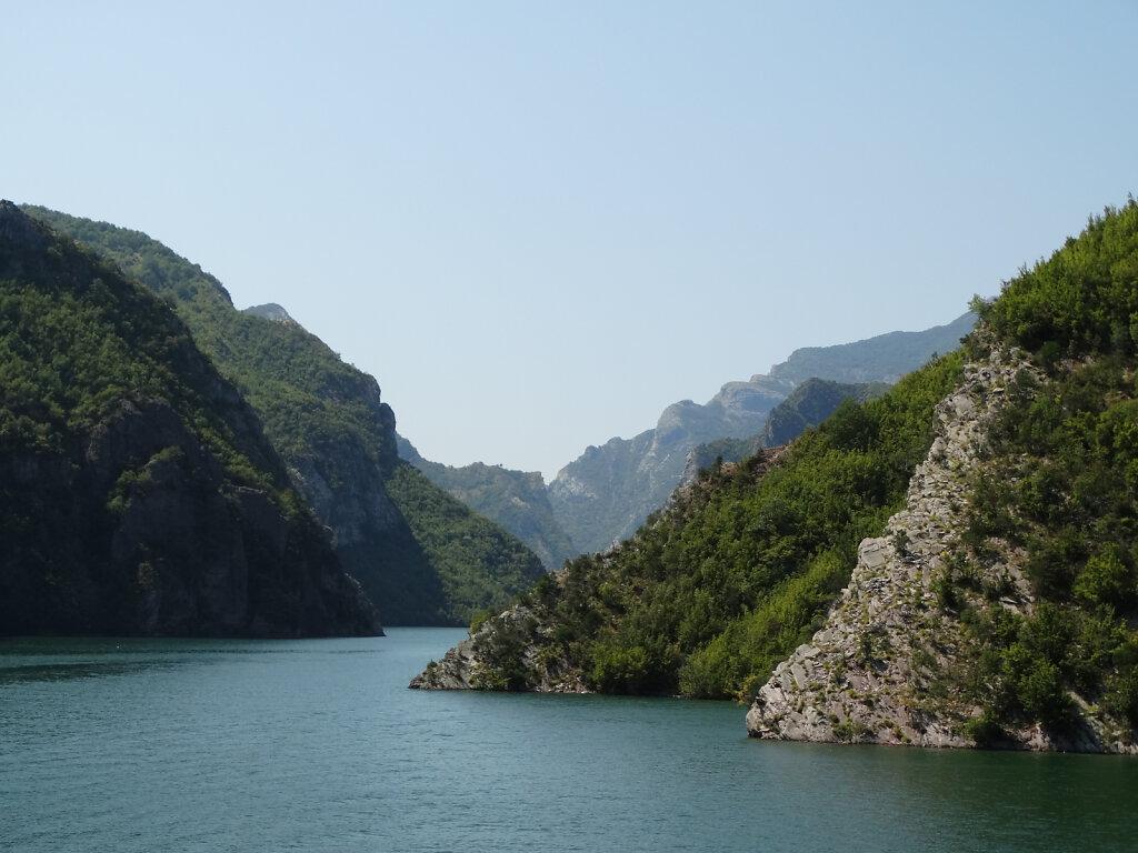 Komani See / Komani Lake